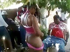 Seks filmy online afrykańskie suki jebane na ulicy