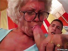 Filmy erotyczne 1 babcia w gównie